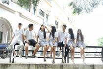 廣西物資學校學生校園合影1